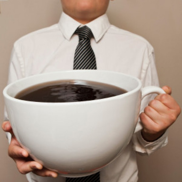 Почему стоит отказаться от кофе на работе?